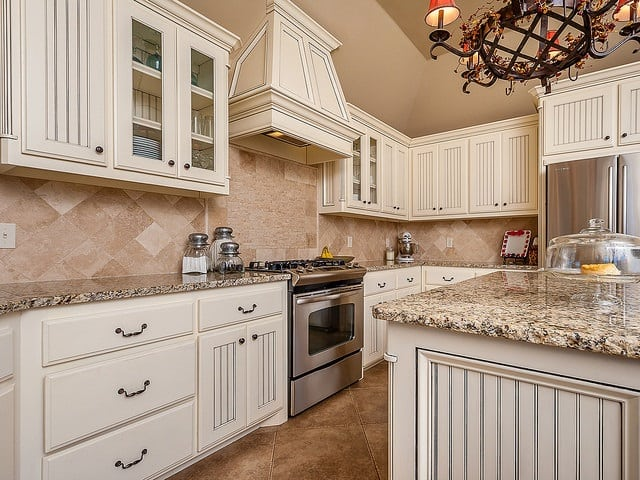 Houston kitchen Cabinets Backspalsh by Unique Builders