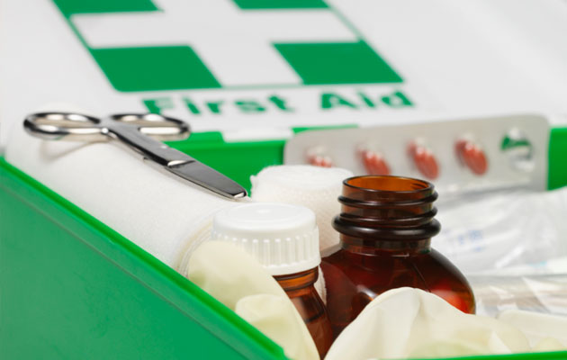 What-to-Pack-in-Your-First-Aid-Kit-Pic