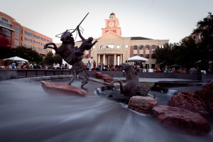 1280px-Sugarland_Town_Square