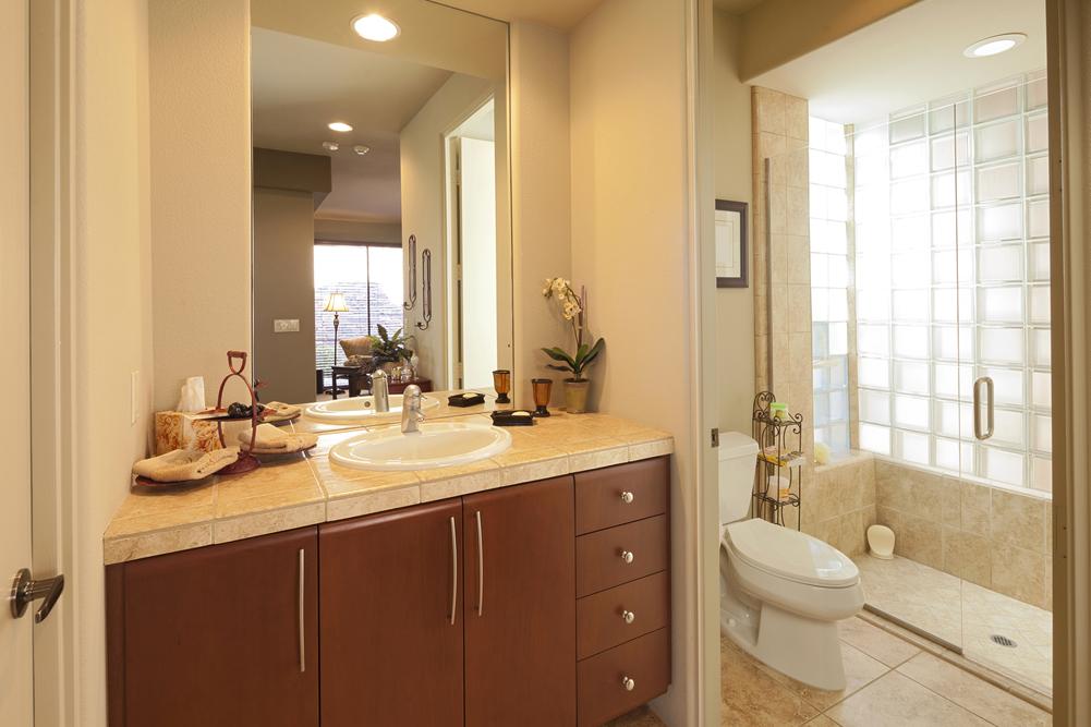 UBT bathroom2