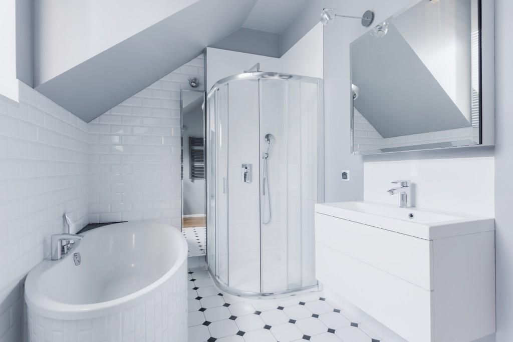 Small bright bathroom in classic modern style