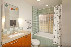UBT vintage bathroom