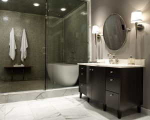 Houston-bold-luxurious-walk-in-shower-with-bathtub